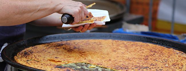 socca-crepe-galette-specialite-nice-provence-alpes-côte-azur