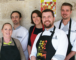 equipe-restauration-repas-vegetarien-rouen