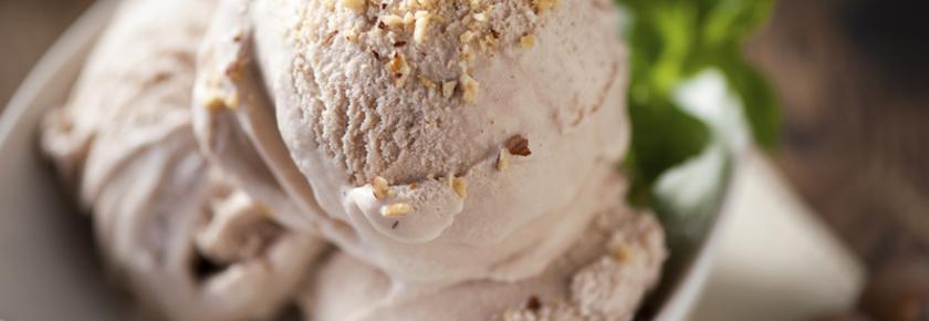 creme-glacee-noisettes-recette-maison